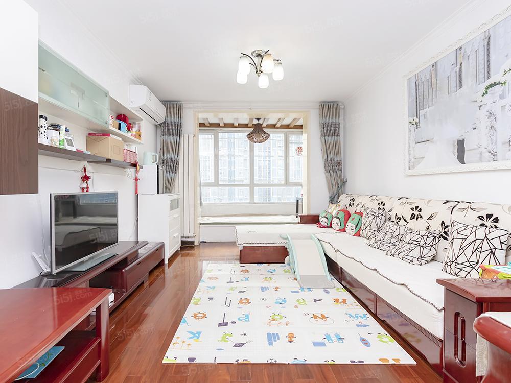 今日新上 金榜园两居 婚房实木精装 诚心急售 欢迎看房