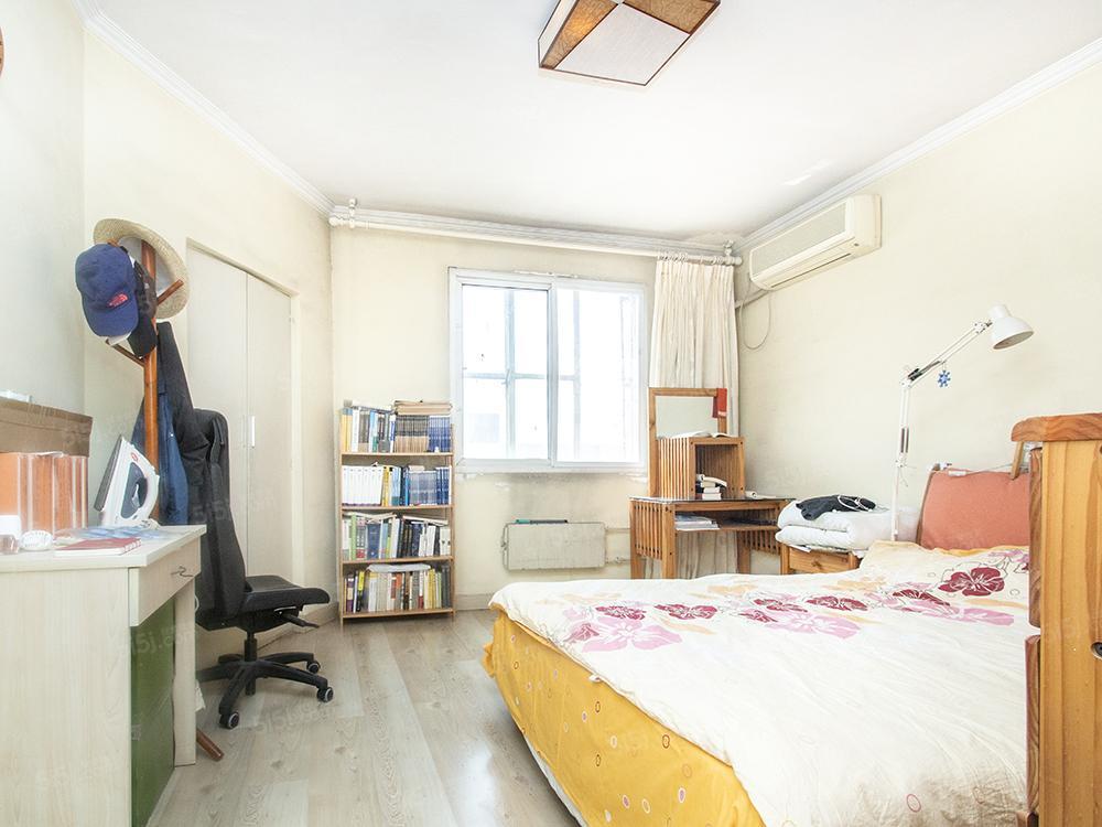 道家园一居室带电梯,高楼层,临金台路地铁朝阳公园